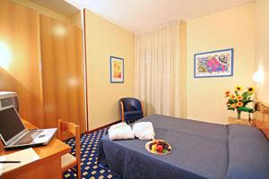 Dettaglio su camera dell'Hotel Biancamano a Rimini