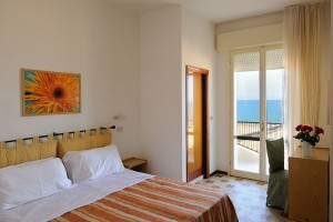Camera Hotel Ambasciatori a Misano