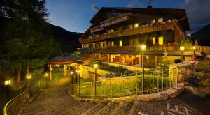 Hotel terme bormio italia vacanze - Livigno hotel con piscina ...